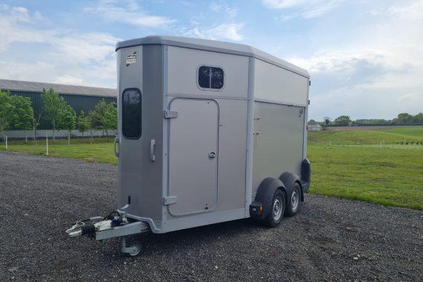 Cheshire Trailers | Trailer Hire, Repair & Sales, Cheshire | Horsebox side