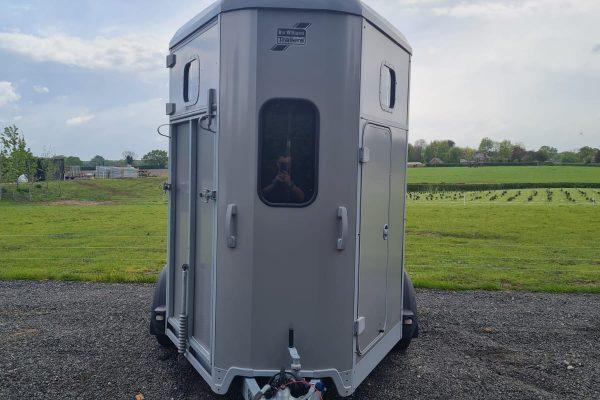Cheshire Trailers | Trailer Hire, Repair & Sales, Cheshire | Horsebox front